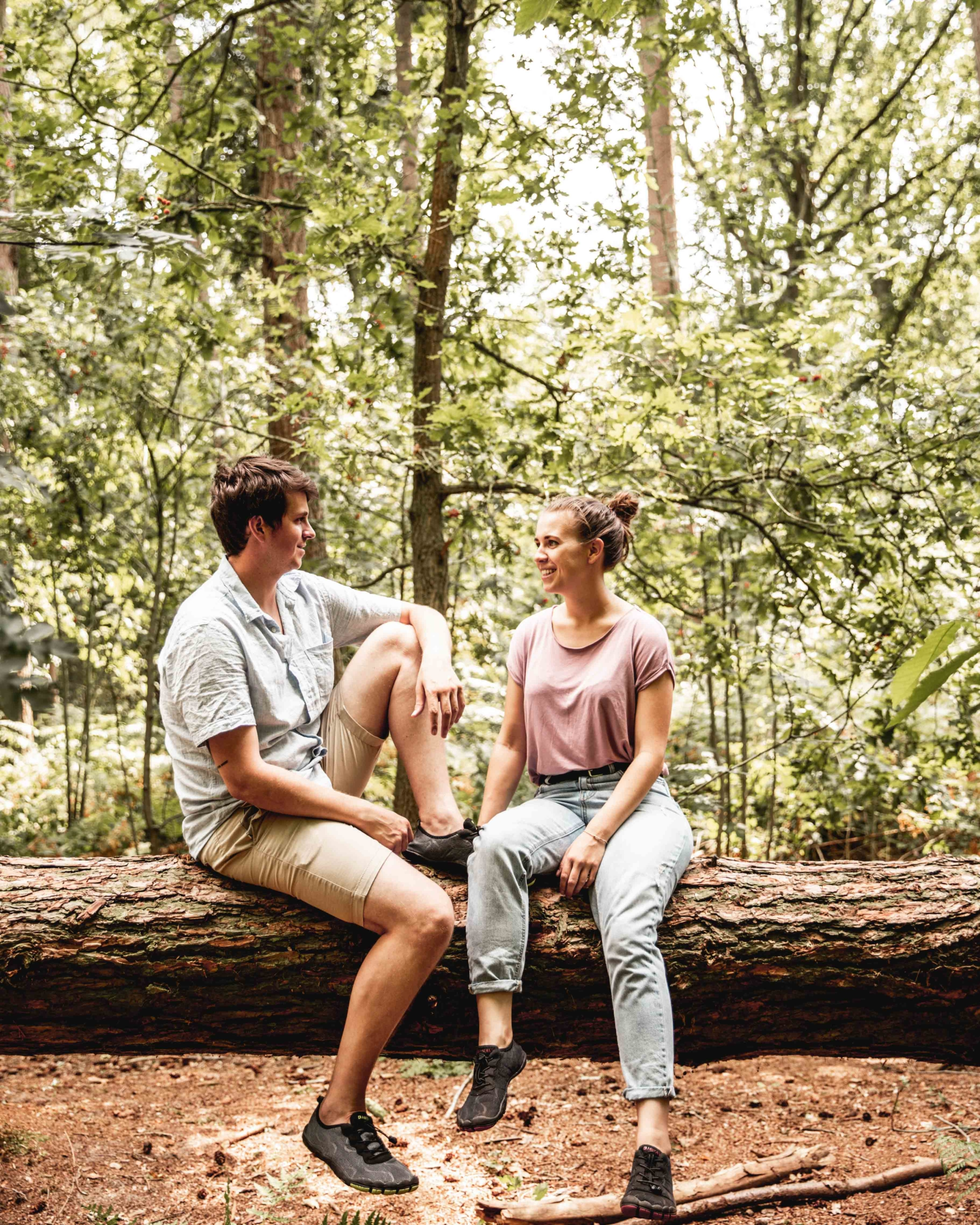 Backpackingcouple with Aleader barefoot water shoes